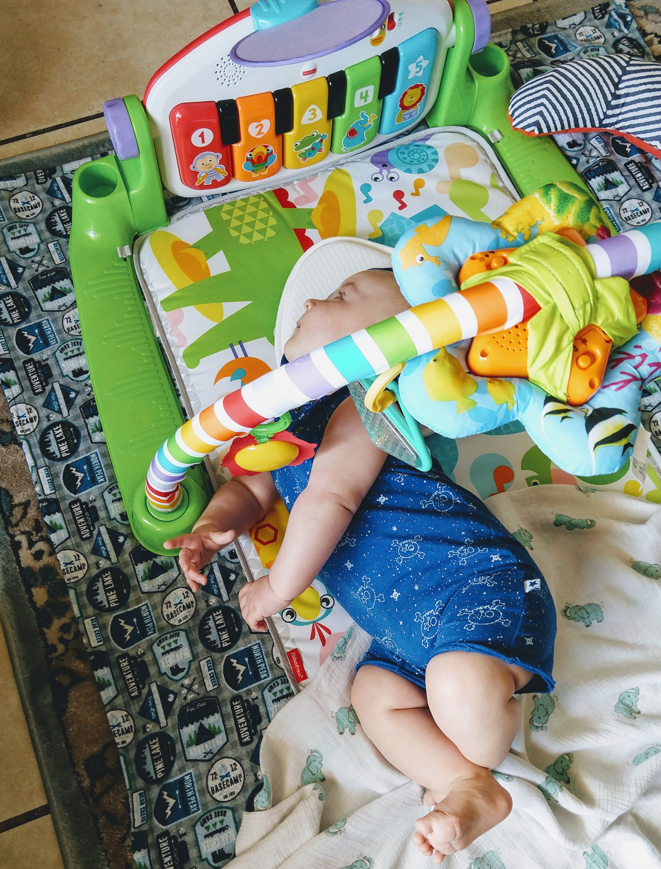 play gym, tummy time